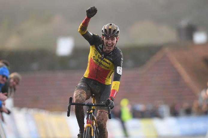 Toon Aerts met fin à l'incroyable domination de Mathieu van der Poel.