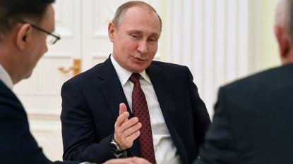 Poetin kondigt daling militaire uitgaven aan