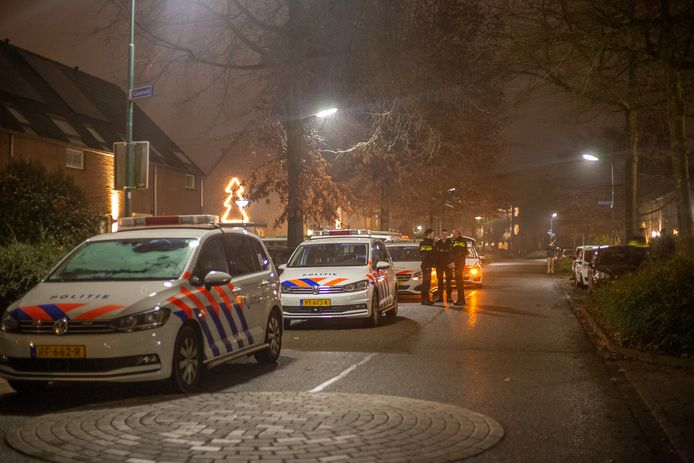 De politie loste vanavond een waarschuwingsschot op de Glaskruid in Breukelen