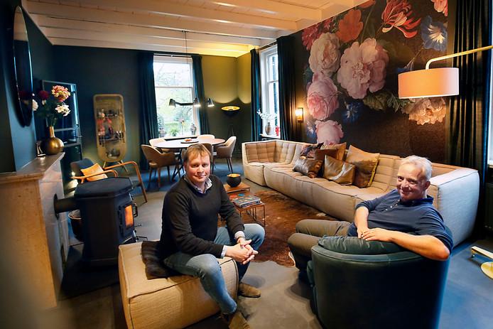 Mark Bikker en Thijs van der Wal willen niet meer weg uit het pand. ,, Je kunt er helemaal je eigen gang in gaan, omdat het zo groot is.''