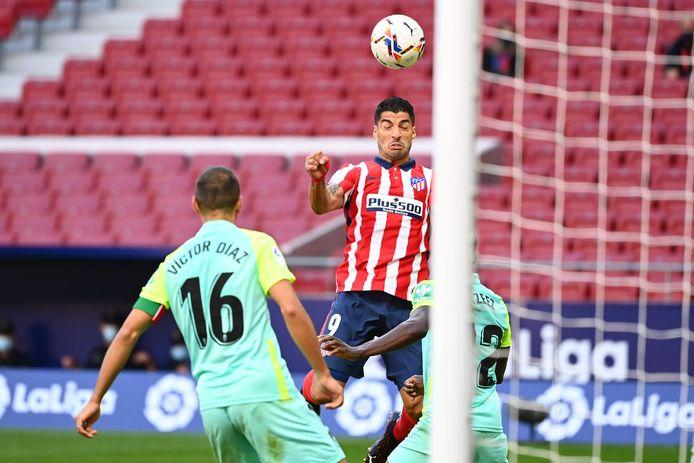 Suárez kopt de 5-0 binnen.