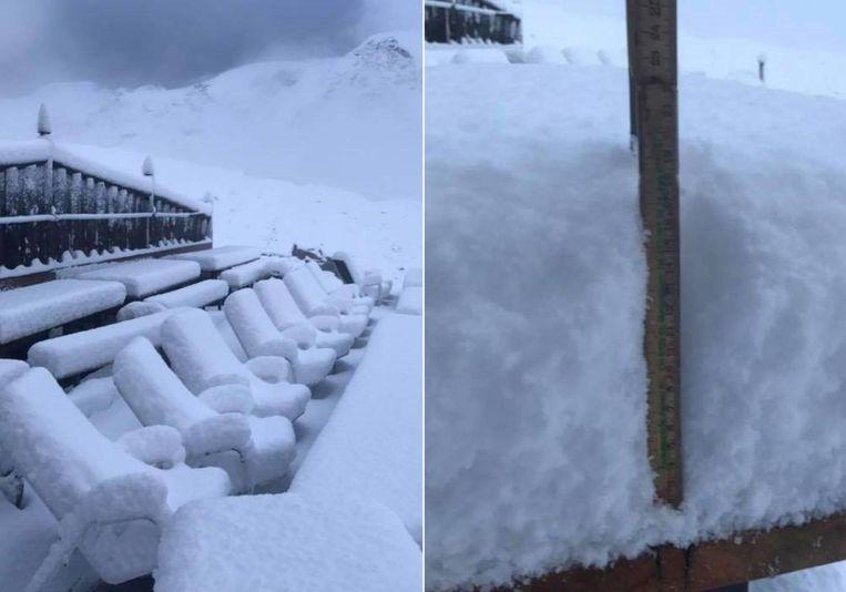 Zonnebaden zal niet lukken in de stoeltjes van een terras op de Alpe d'Huez.