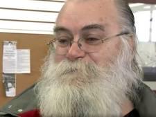 Arme man vindt 38.924 euro in kringloopkussen en geeft het terug aan eigenaar: 'Ik moest dit doen'