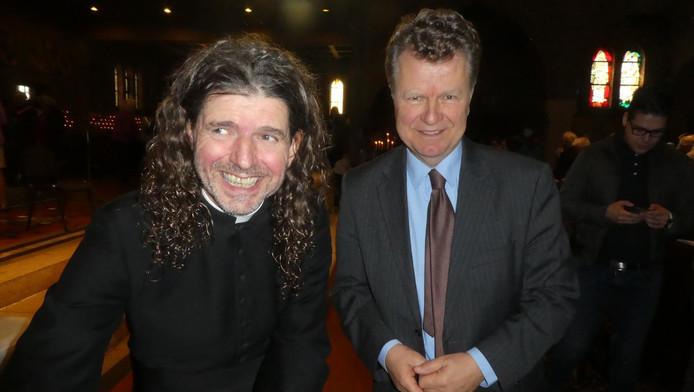 Piere Valkering op zijn boekpresentatie met oud-politicus Boris Dittrich.