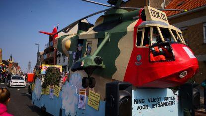 Kleurrijke wagens én Sea King gespot op 60ste Ezelcavalcade