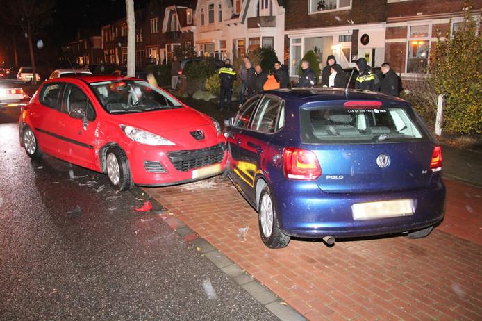 De bestuurder botste op een tegenligger en daarna op een geparkeerde auto.
