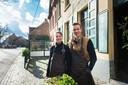 Eef en Tommy Pauwels van café In d'Oude Poort in Hingene.