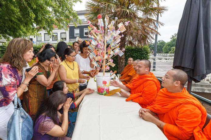 Een geldboom werd aangeboden door de aanwezigen.