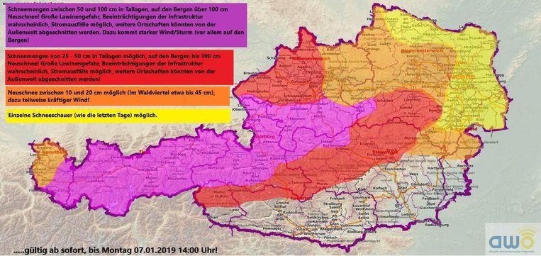 Dit kaartje laat zien dat er in sommige gebieden de komende dagen 50 centimeter tot 1 meter sneeuw, of zelfs meer, verwacht wordt.