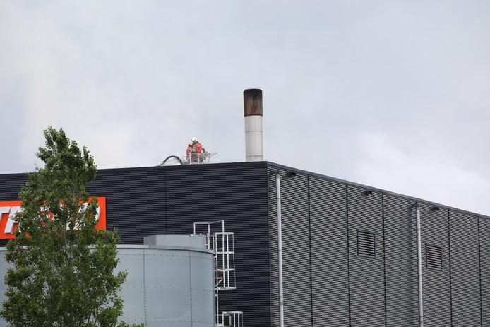 Forse brand op industrieterrein in Oss.