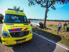 Automobiliste (72) uit Deurne overleden na botsing tegen boom op N270