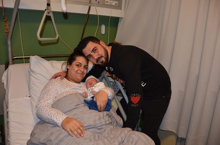 Güler en Umut zijn de trotse ouders van kerstbaby Tugra.