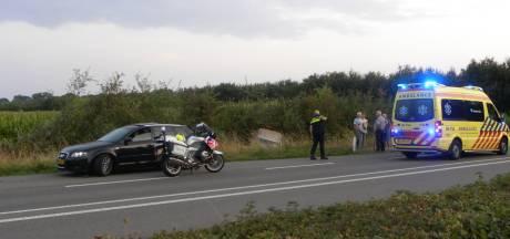 Automobilist belandt in sloot: 'gaspedaal bleef hangen'