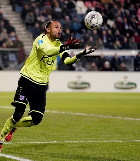 Doelman Hahn houdt conditie op peil bij PEC Zwolle