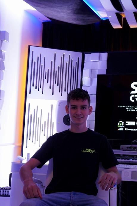 Dj-talent Julian uit Opijnen draait op Amsterdam Dance Event