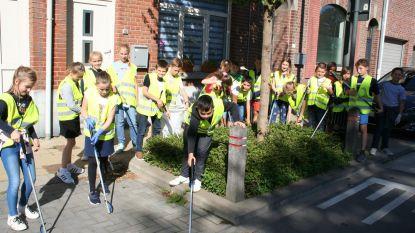 Leerlingen Mariadal maken straten zwerfvuilvrij