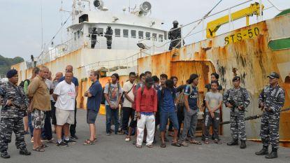 Illegaal vissersschip met 30 (!) kilometer netten aan de ketting gelegd in Indonesië
