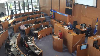 """Brussels Parlement onderzoekt relatie tussen politie en burger: """"Niet alle agenten doen aan etnisch profileren, maar het gebeurt en dat is zonde voor iedereen"""""""