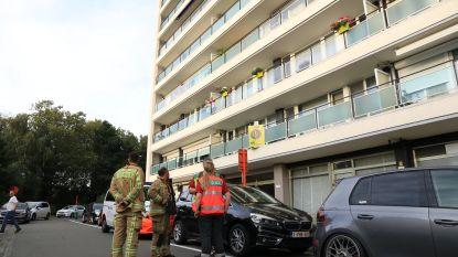 Brandende wasmand zet appartement onder dichte rook