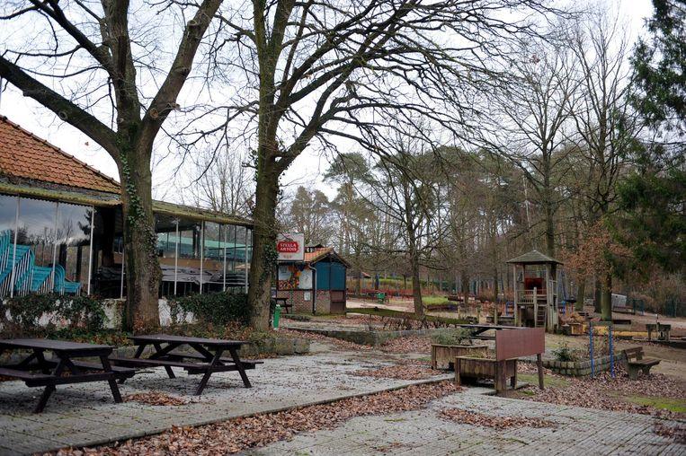 Het Zoetwaterpark is voorlopig gesloten en ligt er niet zo fraai bij.