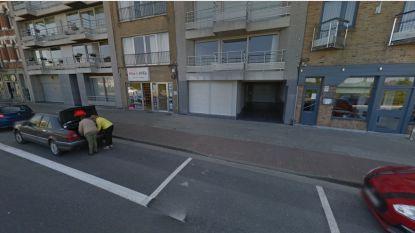 Uitbaatster (41) nachtwinkel bedreigd en geslagen met mes door drie transmigranten in Zeebrugge