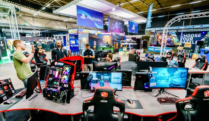 Opbouw DreamHack in Ahoy in Rotterdam.