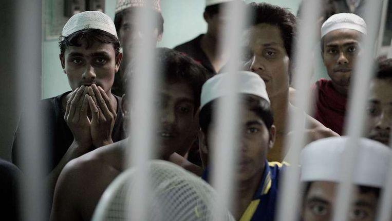 Gevluchte Rohingya's in een Thaise cel. Beeld afp