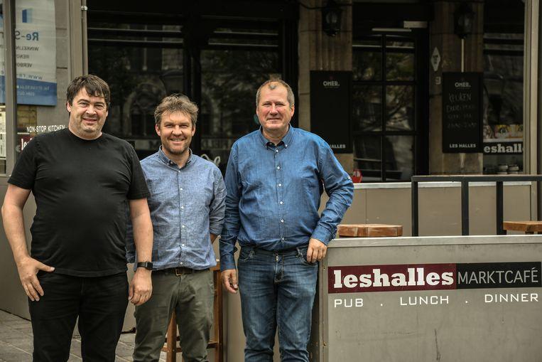 Uitbater Chris Bervernaege en Wim Vandamme en Bart Devos van vzw ri4vos.