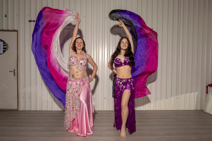 Bergse moeder en dochter winnen WK buikdansen.