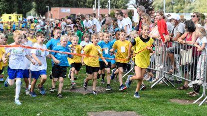 Meer dan 450 kinderen rennen tijdens Scholencross