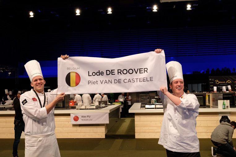 Piet Vande Casteele en Lode De Roover tijdens de Bocuse d'Or-wedstrijd.