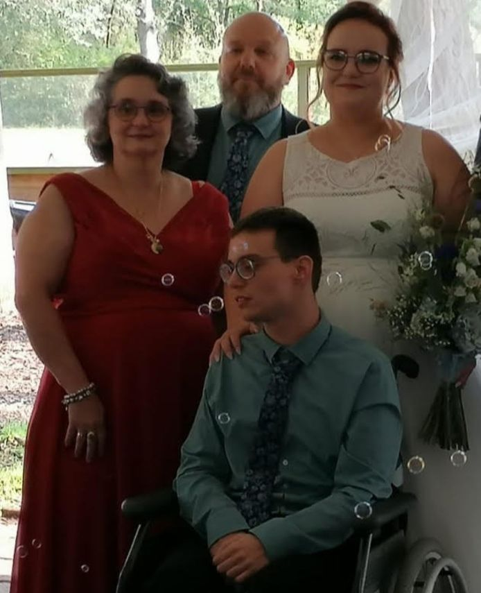 Wouter op de bruiloft van zijn zus.