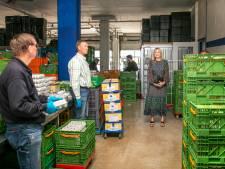 Koningin Máxima bezoekt Voedselbank Delft: Samenwerken om mensen met schulden tijdig te helpen