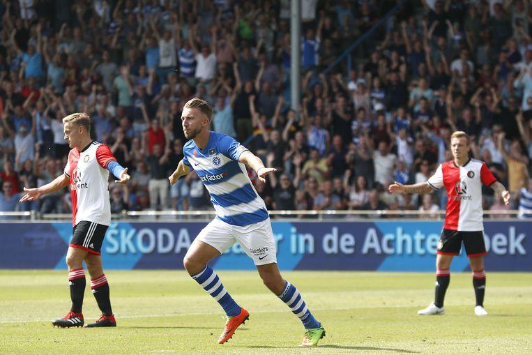 Fabian Serrarens scoort de 1-0 voor De Graafschap. Beeld ANP Pro Shots