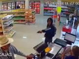 Klant overmeestert overvaller in supermarkt