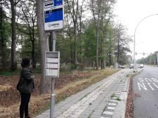 Een uur in de regen op de  bus wachten bij Amarant aan de Bredaseweg