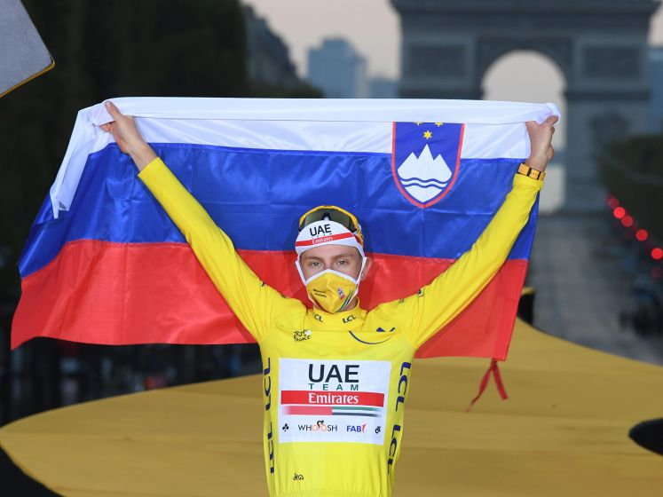 Pogacar wint bij debuut: 'Was al blij geweest met laatste plaats'