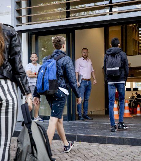 'Twintig minuten van tevoren stonden de eerste leerlingen al voor de deur'