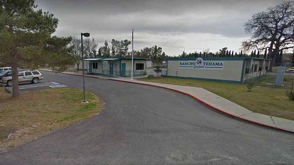 Bij een schietpartij in de buurt van deze basisschool in het noorden van de Amerikaanse staat Californië zijn zeker drie doden gevallen.
