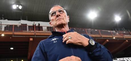 Schöne ziet trainer bij Genoa ontslagen worden