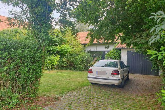 De lichamen van het bejaarde koppel werden vrijdag aangetroffen in deze woning in Asse-ter-Heide.