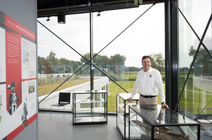 Bert Rietberg in het Bezoekerscentrum Grebbelinie, gelegen op de grens van Renswoude, Ede en Veenendaal.