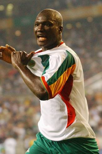Senegalese WK-held Papa Bouba Diop op 42-jarige leeftijd overleden na slepende ziekte