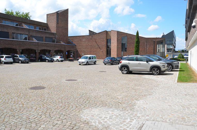 Op de binnenkoer van het stadhuis komt één van de twee pop-up-pleinen waar er deze zomer kleinschalige evenementen zullen plaatsvinden.