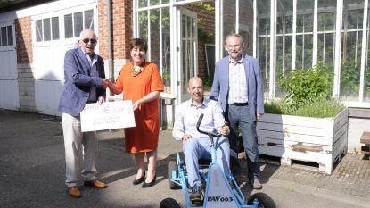 Lions Club Tienen steunt Stichting M.M. Delacroix met cheque van 5.000 euro