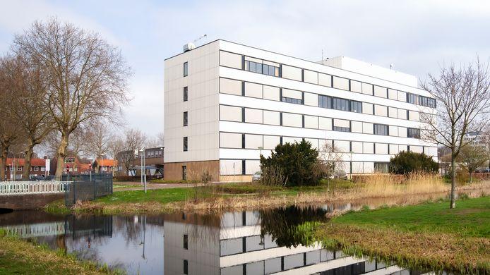 Op de vierde etage van het ziekenhuis in Waalwijk staan twaalf bedden klaar voor coronapatiënten. Indien nodig kan ook de derde etage worden ingericht.