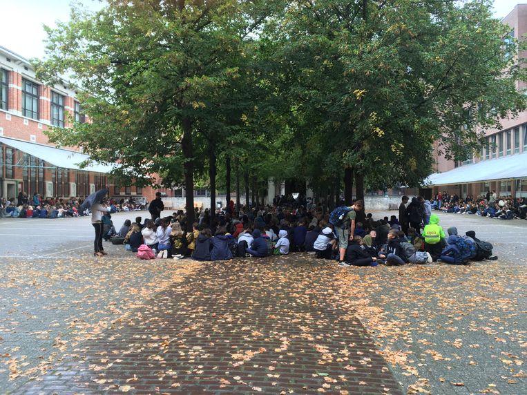 Protest van leerlingen tegen Perron 3000.