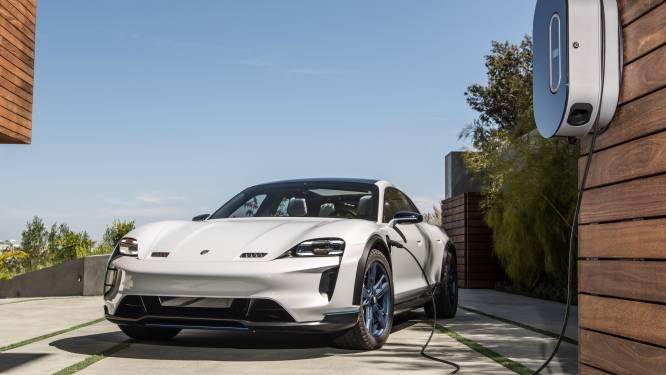 In één klap een van populairste modellen: Porsche verdubbelt productie van zijn allereerste elektrische auto