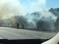 Bermbrand langs A1 bij Twello: afgesloten rijstroken weer open
