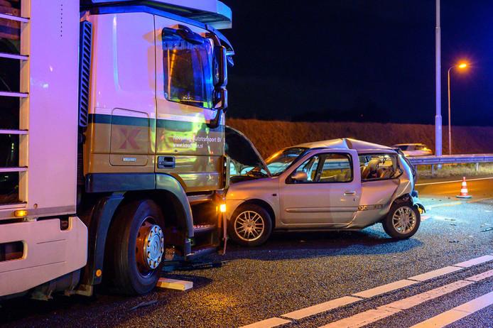 Ongeluk op de A58 bij Industrieterrein Vosdonk.